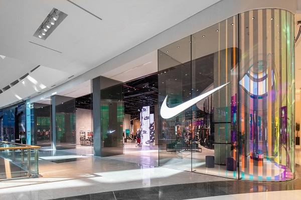 the latest f807c e7bbd Nike opens region s biggest store at Dubai Mall